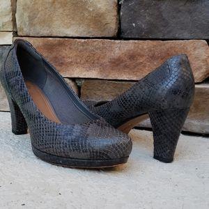 🌿Clark's Artisan Snake Skin Leather Print Heels